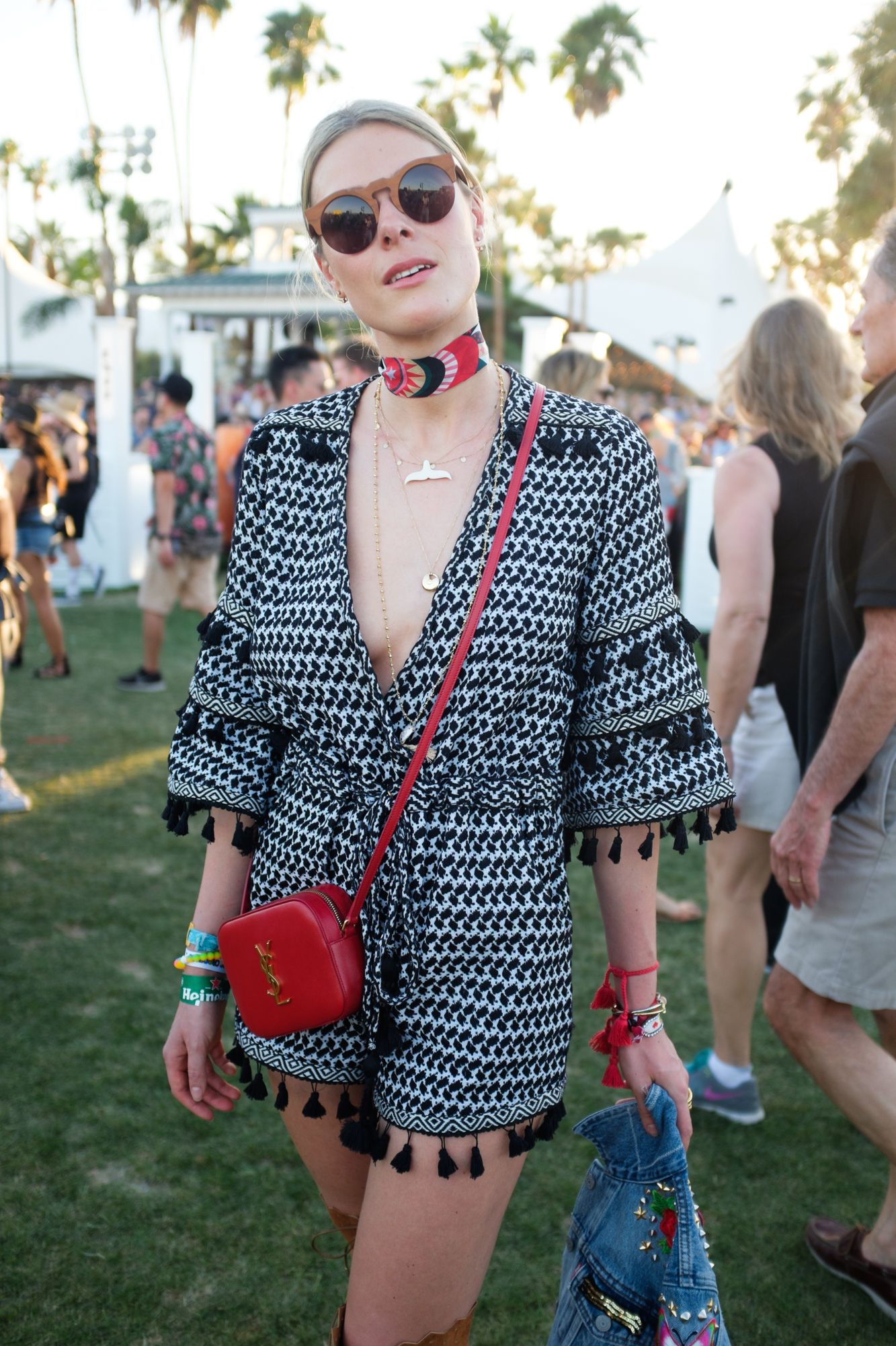 elle-coachella16-day2-011_1.jpg