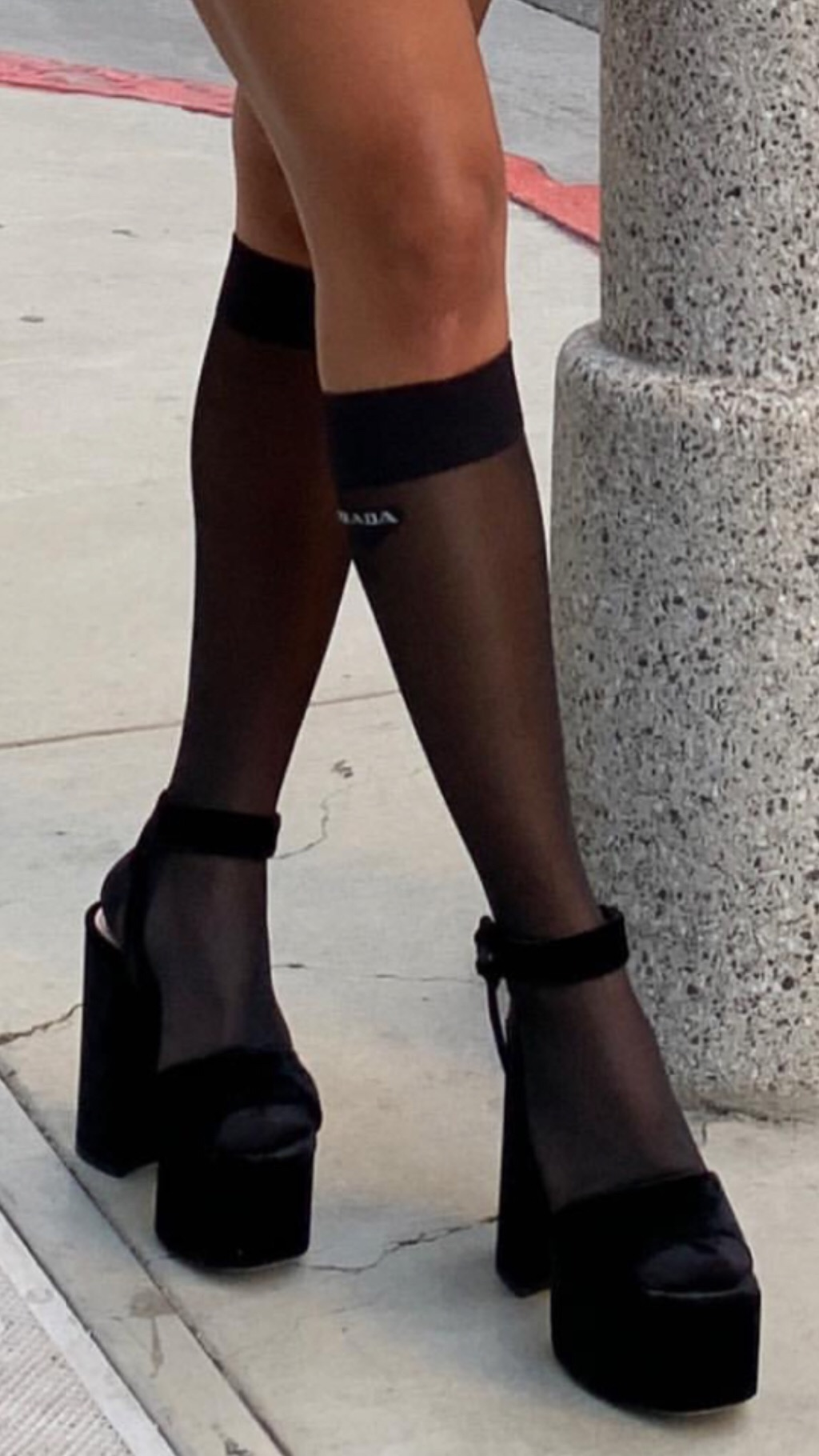 Nothing can compare to this photo of the Prada tights & Miu Miu platforms for the 'inpso of the week' but here we go.