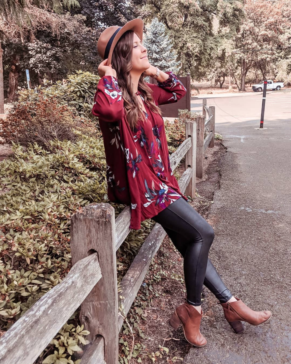 Fall Florals - I've had this top for a couple of years and I love it so much! It looks good with Jeans, leggings, even shorts in the summer! TOP // LEGGINGS // BOOTIES // HAT