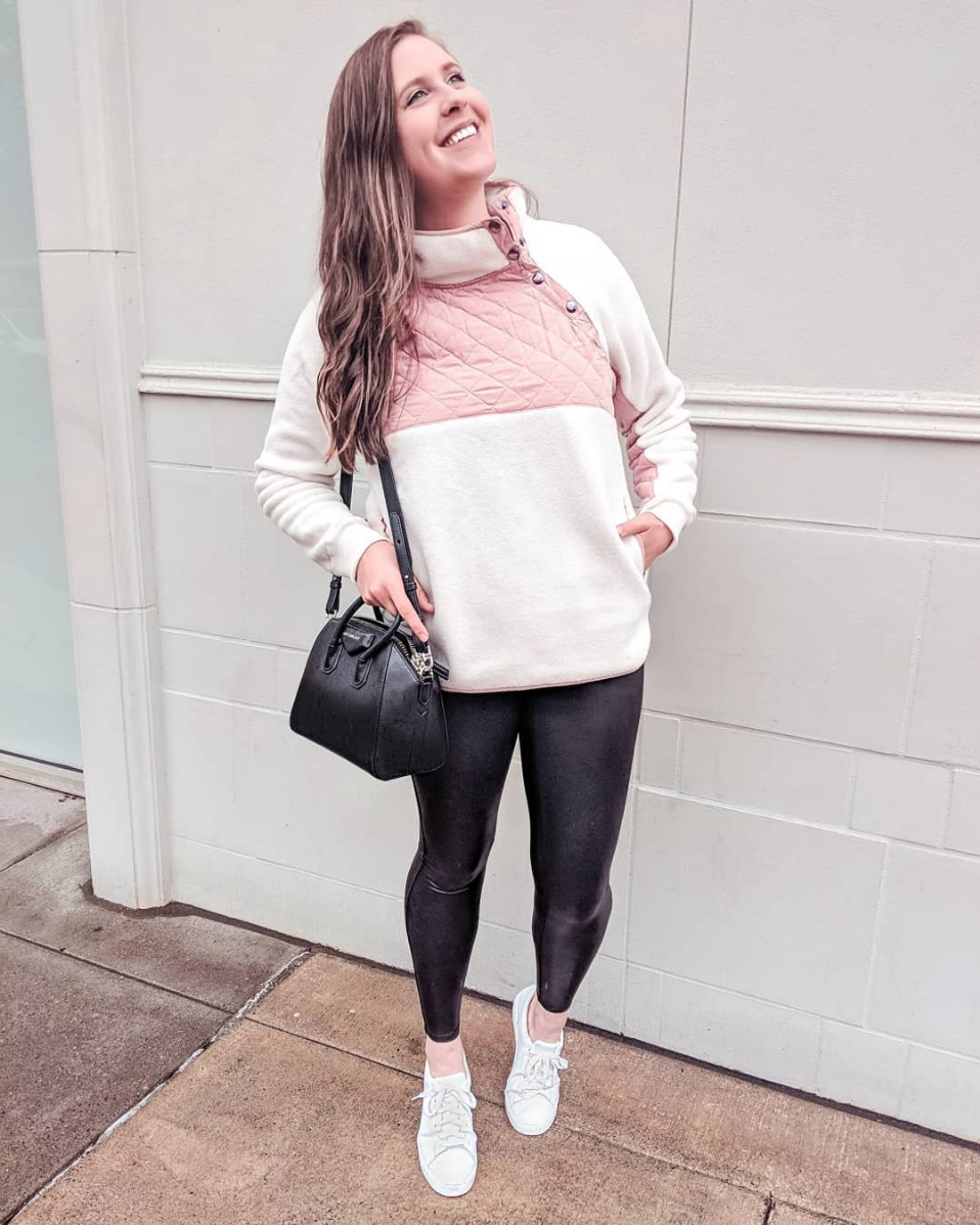 Fluffy Fleece For Fall - This is the ultimate fall fleece sweatshirt. Bookmark the link below for whenever Abercrombie does another site-wide sale because it WILL happen sometime in the near future. I will notify when this happens.SWEATSHIRT // LEGGINGS // SHOES //