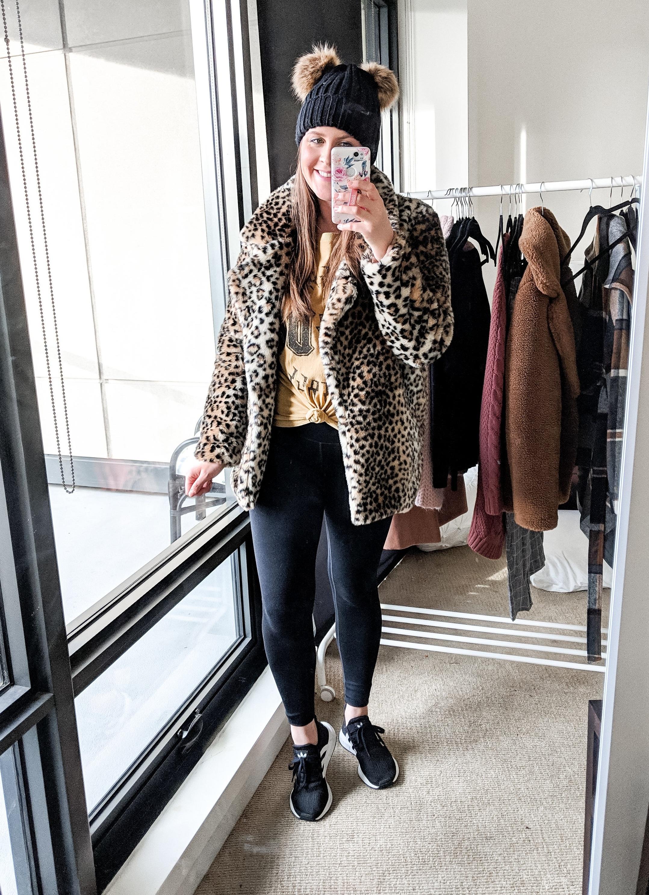 leopard%2Bfur%2Bcoat%2Bgraphic%2Btee%2Bathleisure%2Boutfit%2Bstylebyjulianne