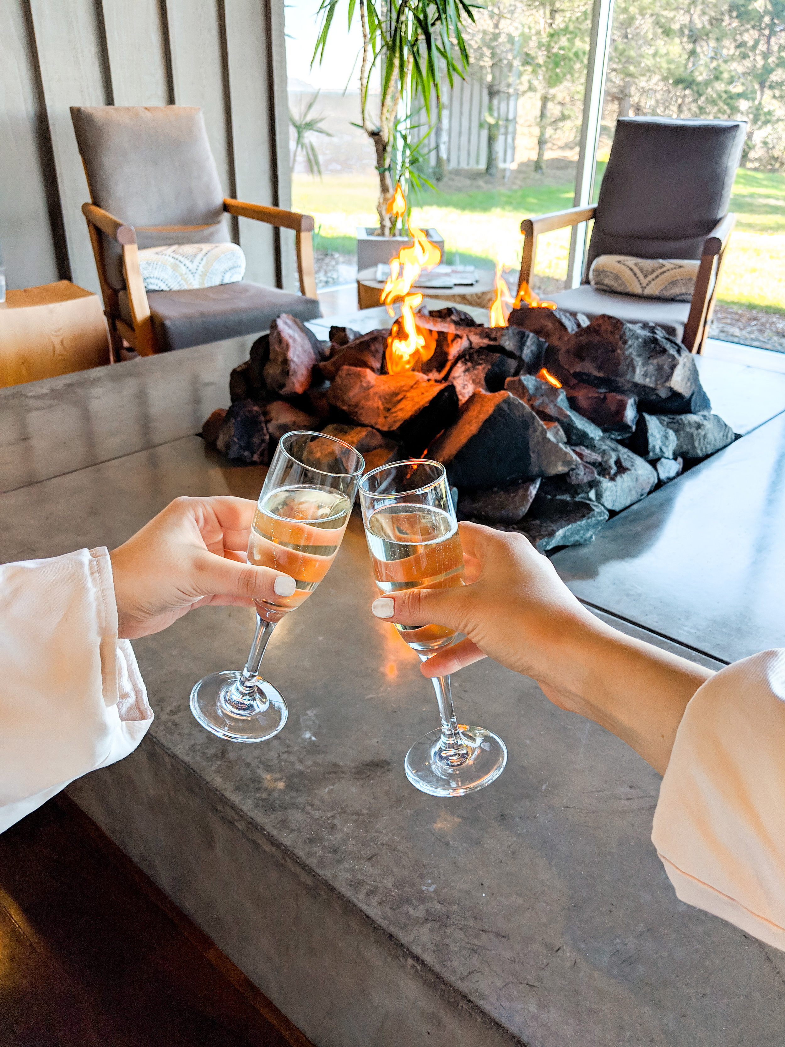 Champagne Cheers at Salishan