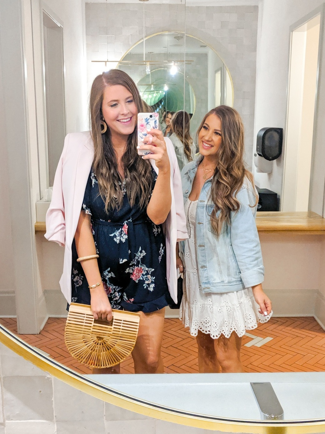 How to Take The Perfect Mirror Pic Blogger Style