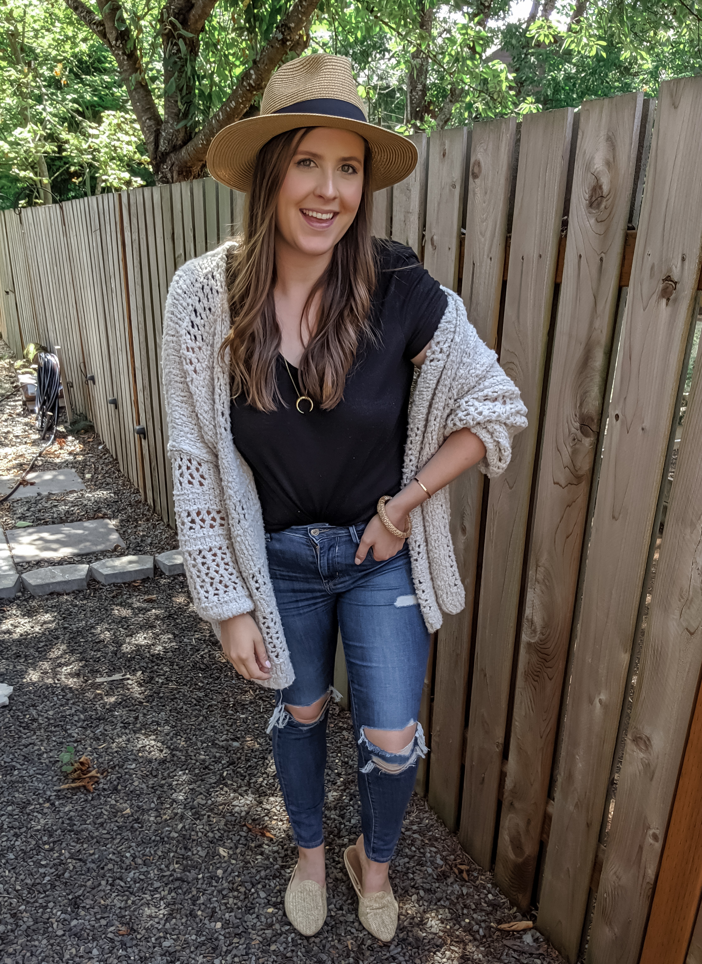 fall casual outfit the best high waisted ripped jeans
