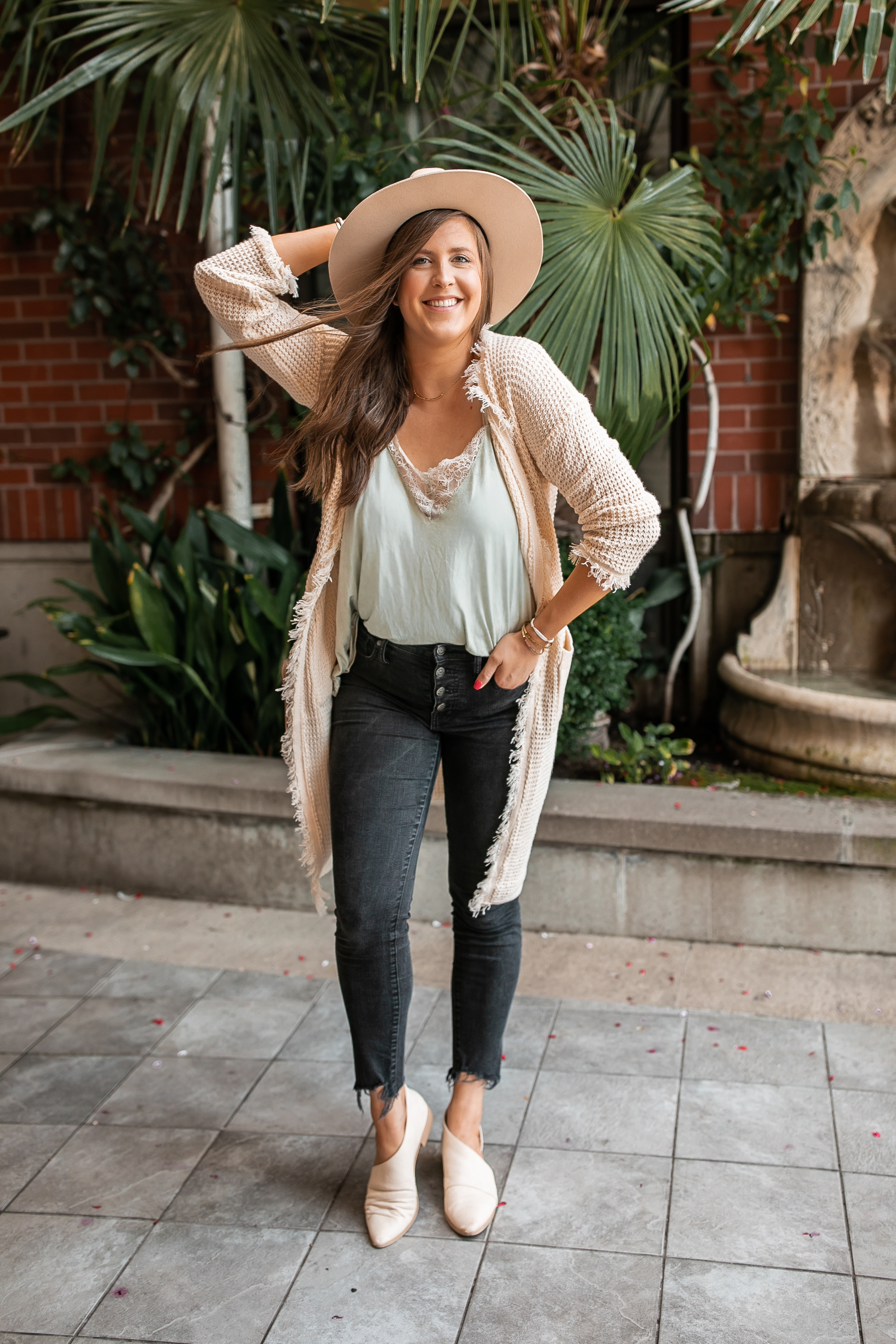 Fringe Cardigan Fall Outfit @stylebyjulianne