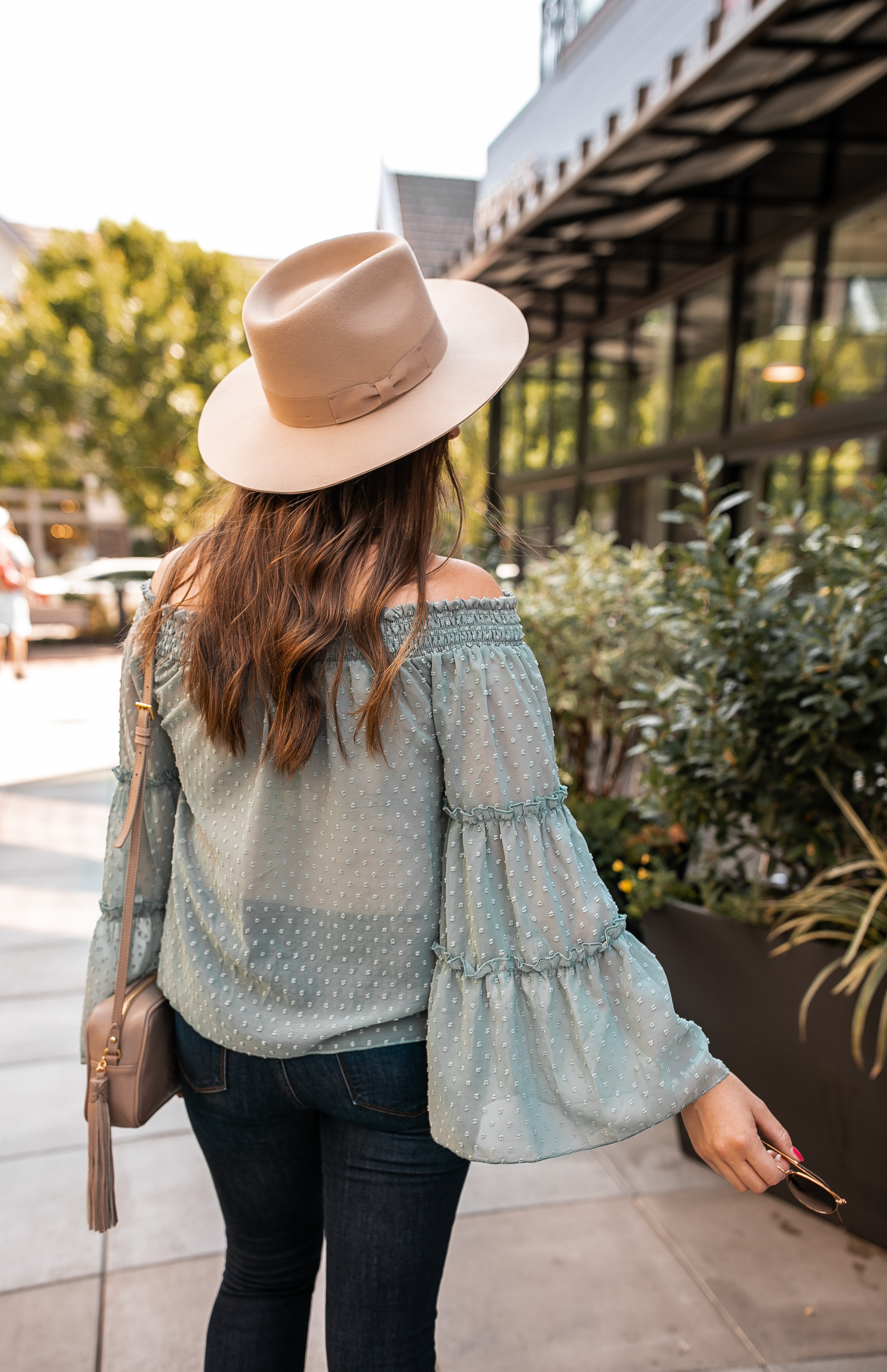Off the Shoulder Top Fall Outfit @stylebyjulianne