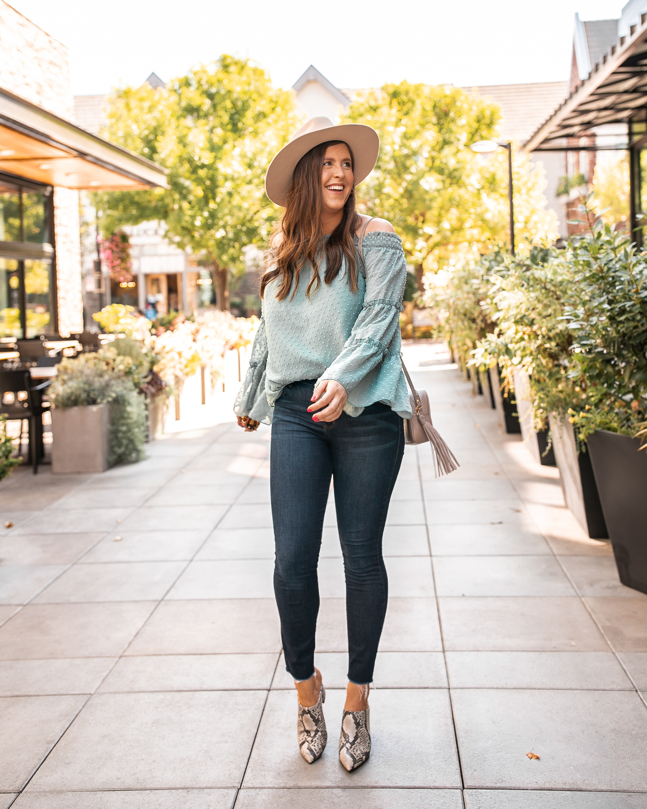 Casual Fall Outfit @stylebyjulianne