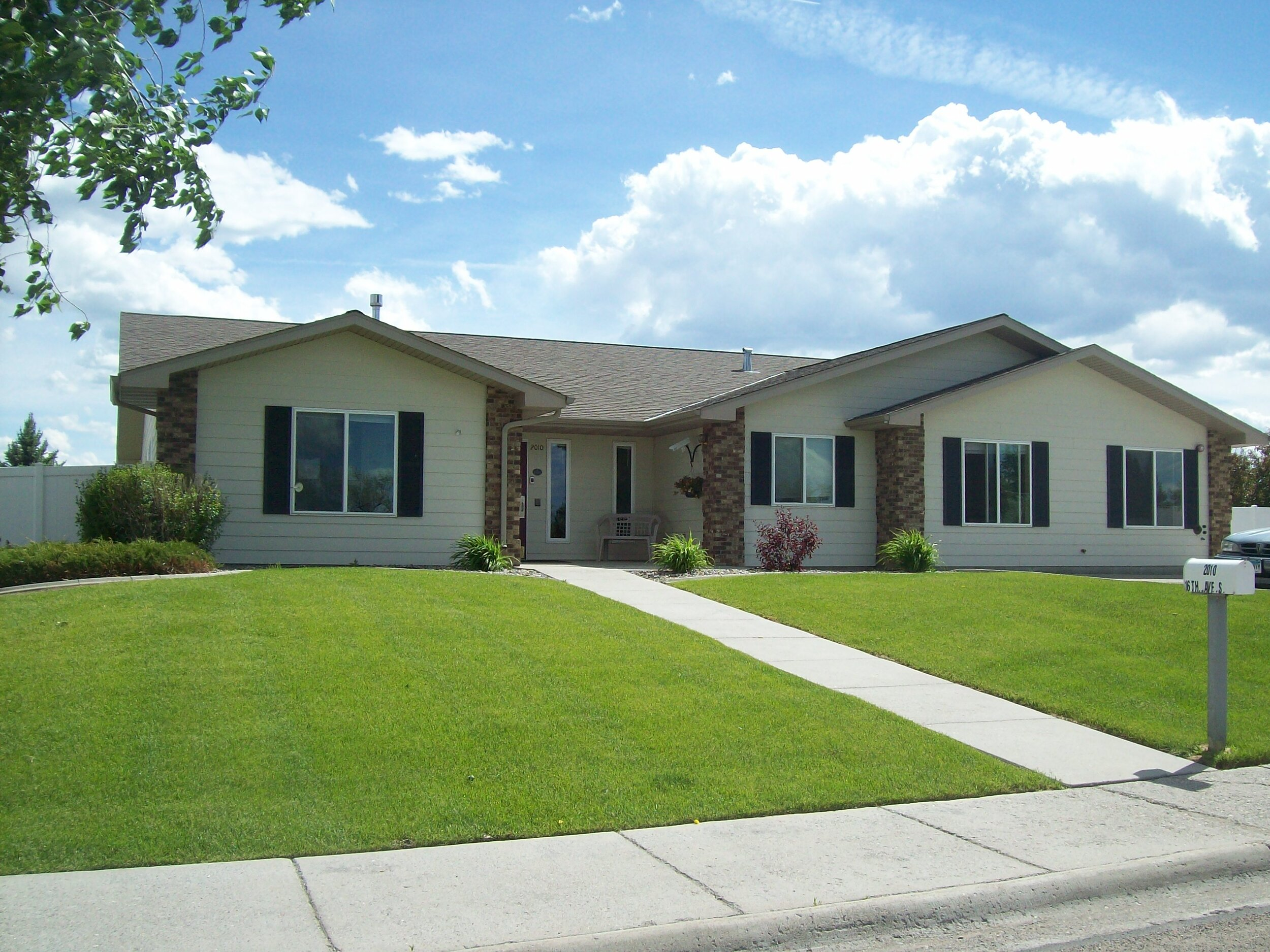 2020 16th Ave South Great Falls, MT 59405