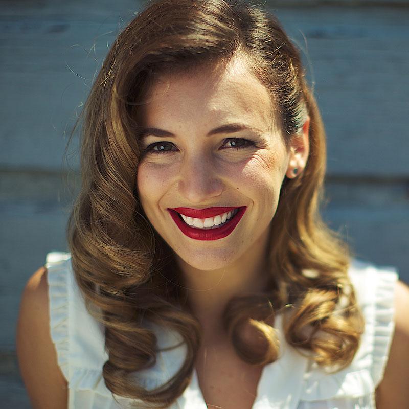 Jamie Pennar smile_sq.jpg