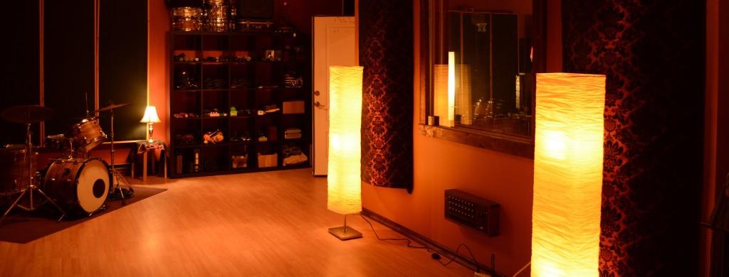 Bellows - Wide-Live-Room-1024x390.jpeg
