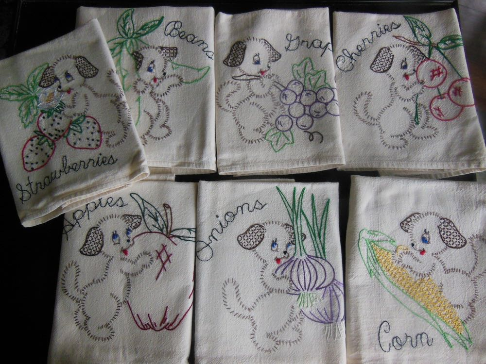 Charming Bluebird Gardens Dogs in Garden Dish Towels also causing havoc!