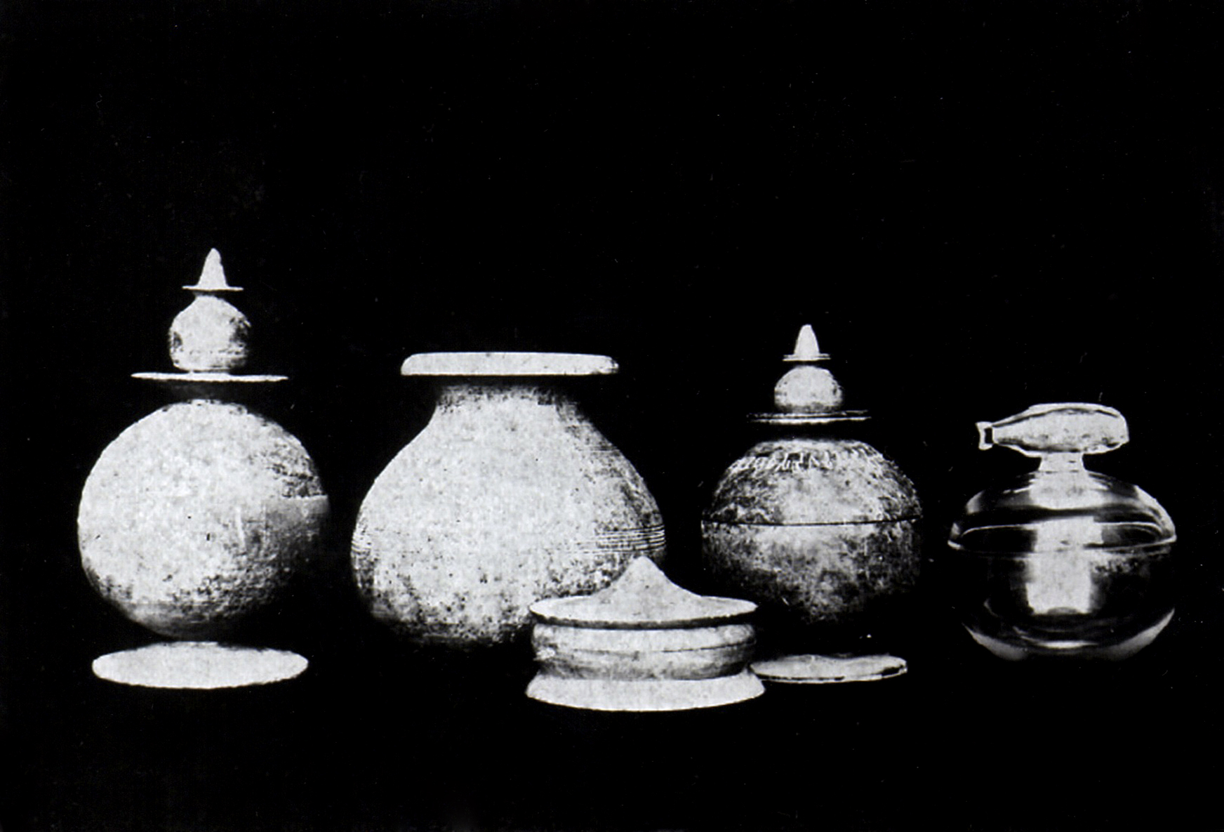 the soapstone & crystal vases discovered in the stupa .  PICTURE COURTESY OF THE PEPPÉ FAMILY