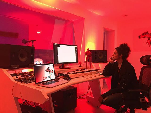 @iambrbn 🥃 in #theredroom #soamazinstudios
