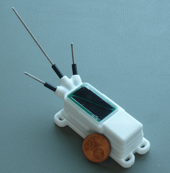 Bird Solar GPRS 48g_Orginal_old with only 2 solar panels, white stork version.jpg