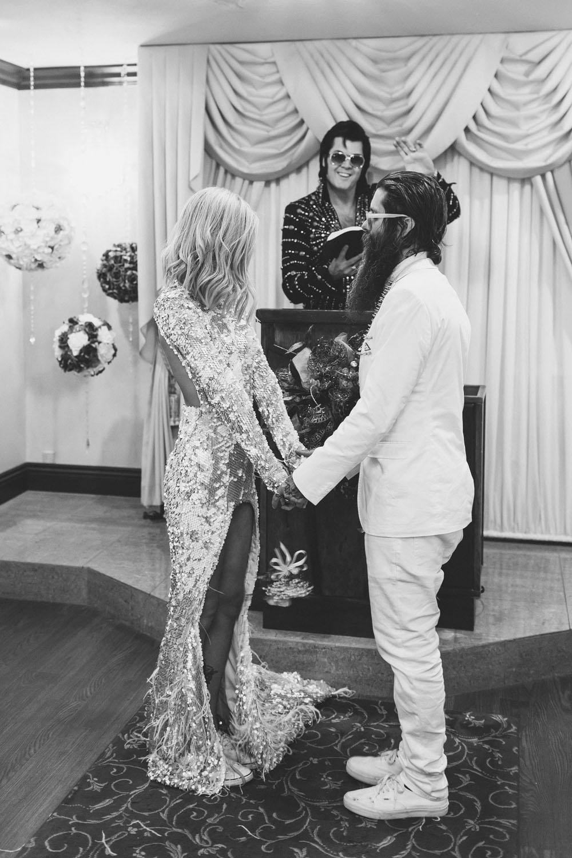 wedding-photography-hippie-vegas-jenneke-storm