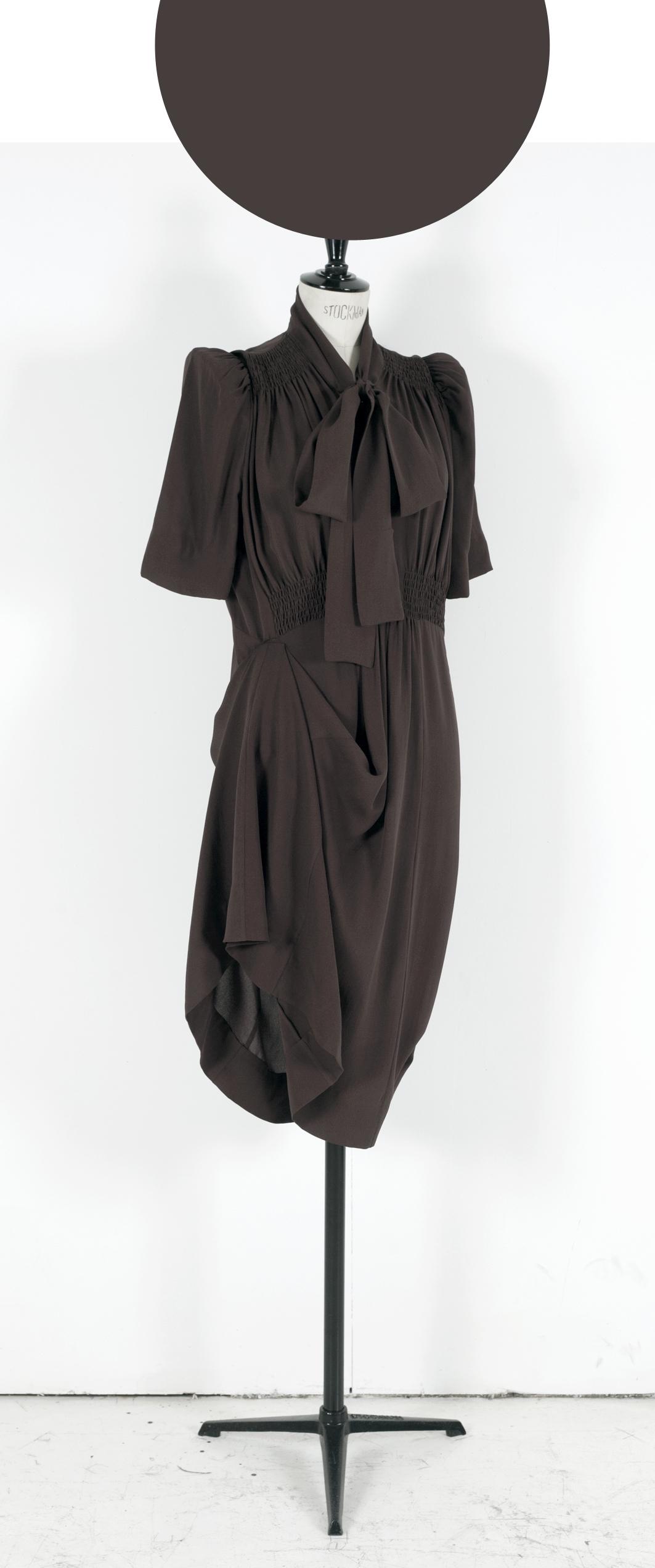 01 WINE BROWN/ Short Sleeve Knee length Part Adjustor Dress