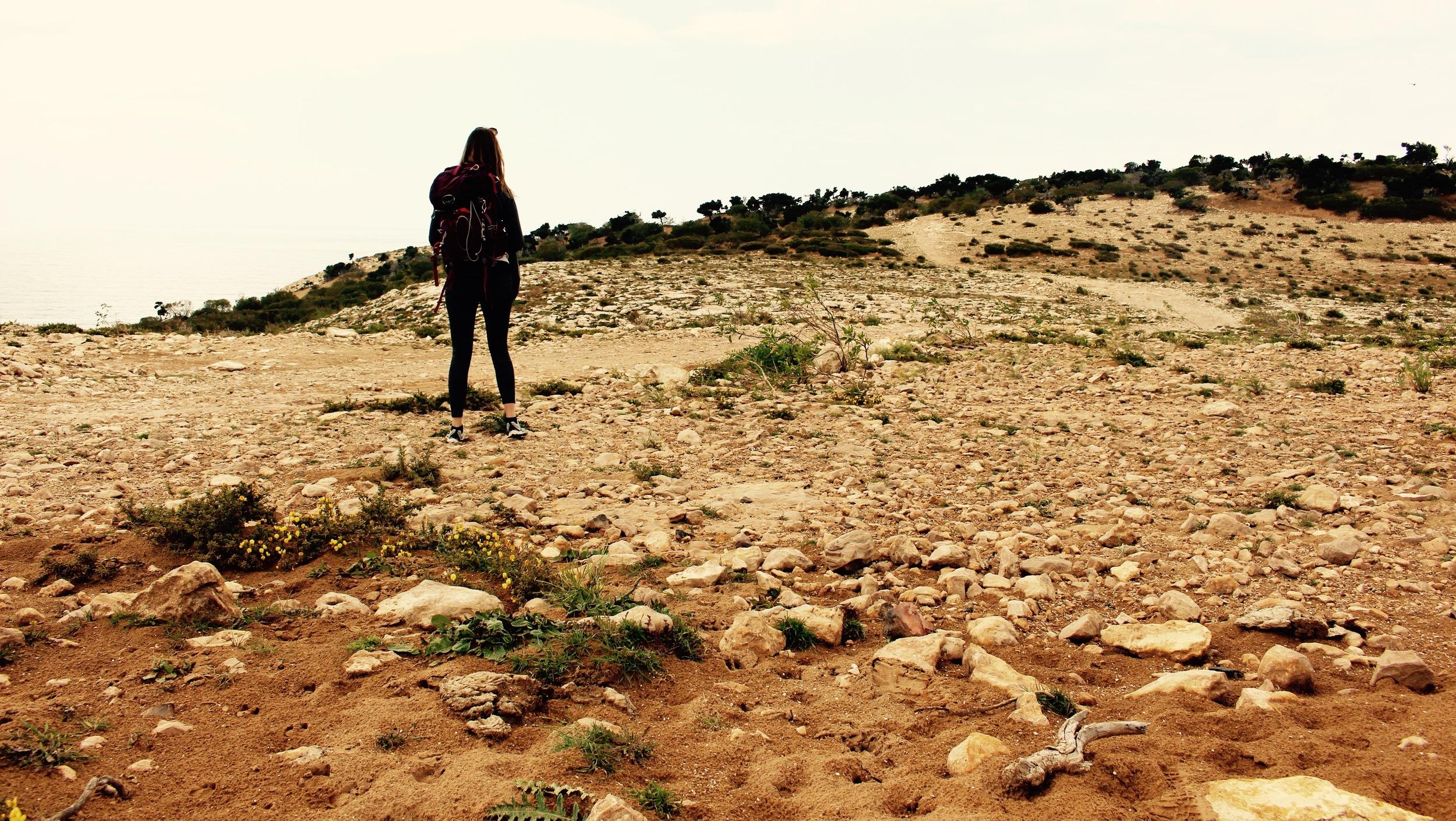 Hiking to Cap sim