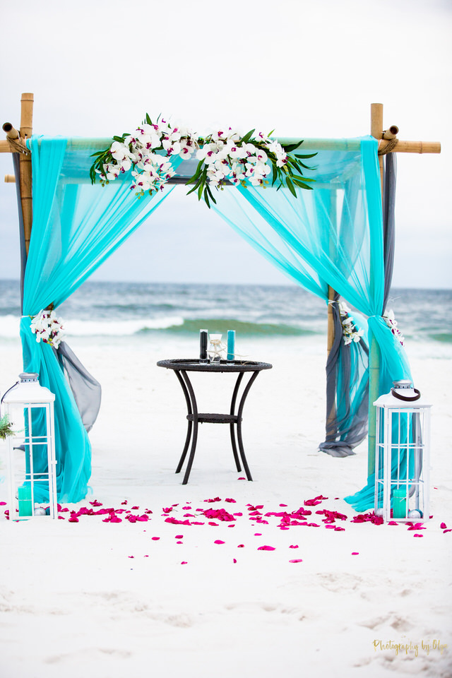 Weddings by the shore in Pensacola.jpg