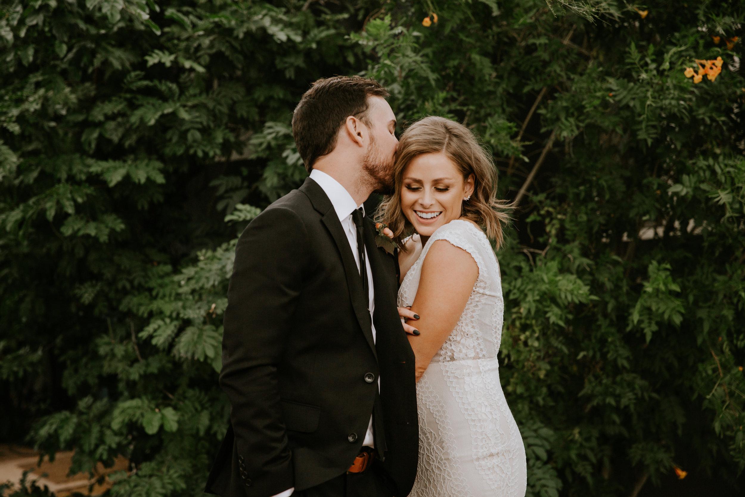2019-05-26_Callie-Evan_Wedding_Joshua Tree_Paige Nelson_PREVIEWS HR-24.jpg
