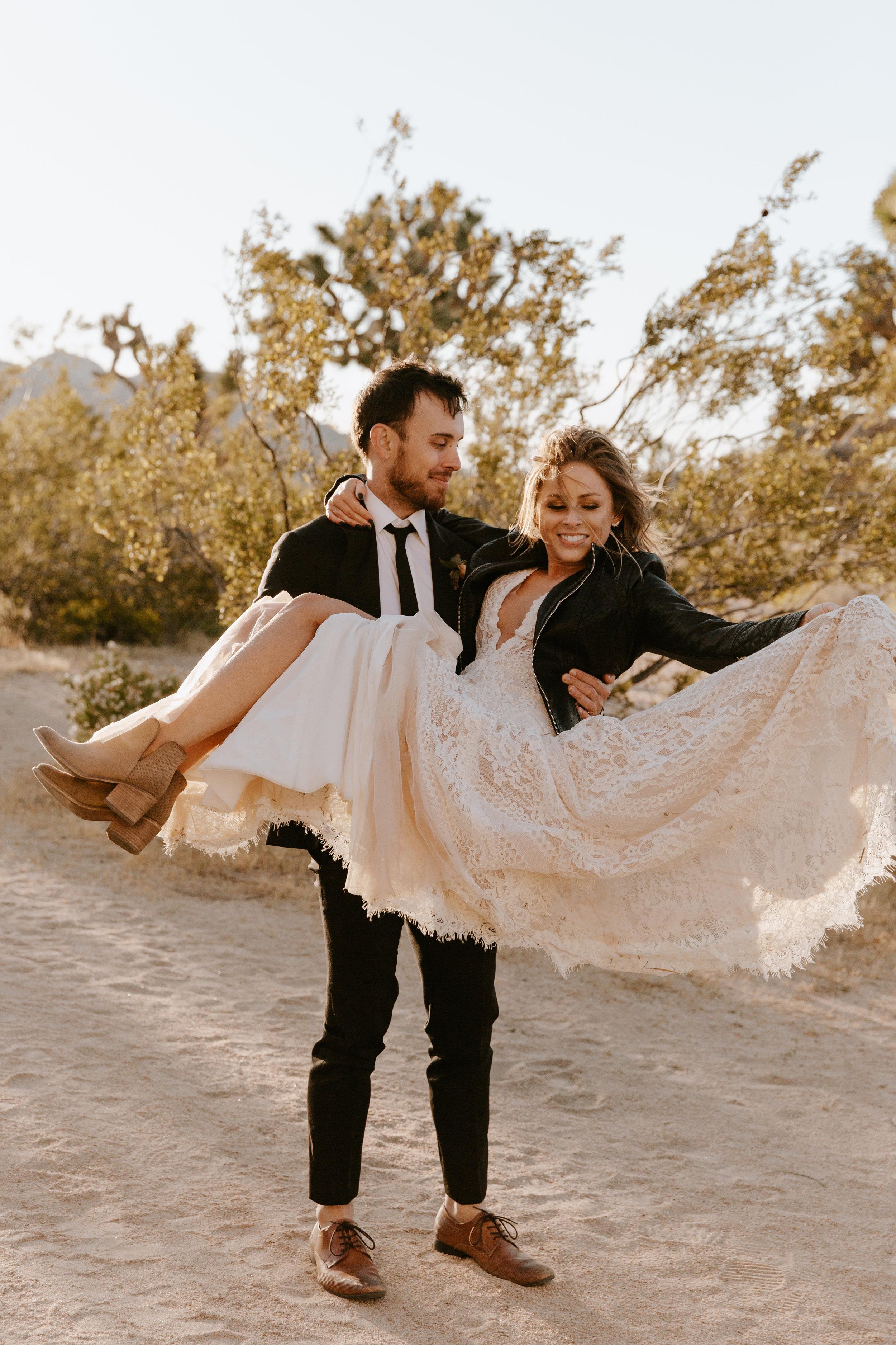 2019-05-26_Callie-Evan_Wedding_Joshua Tree_Paige Nelson_PREVIEWS HR-56.jpg