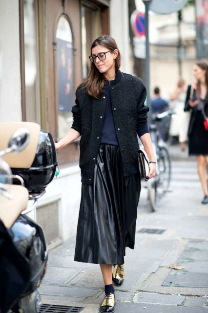 16-Feminine-Pleated-Midi-Skirt-Outfits-For-Fall-And-Winter-8.jpg