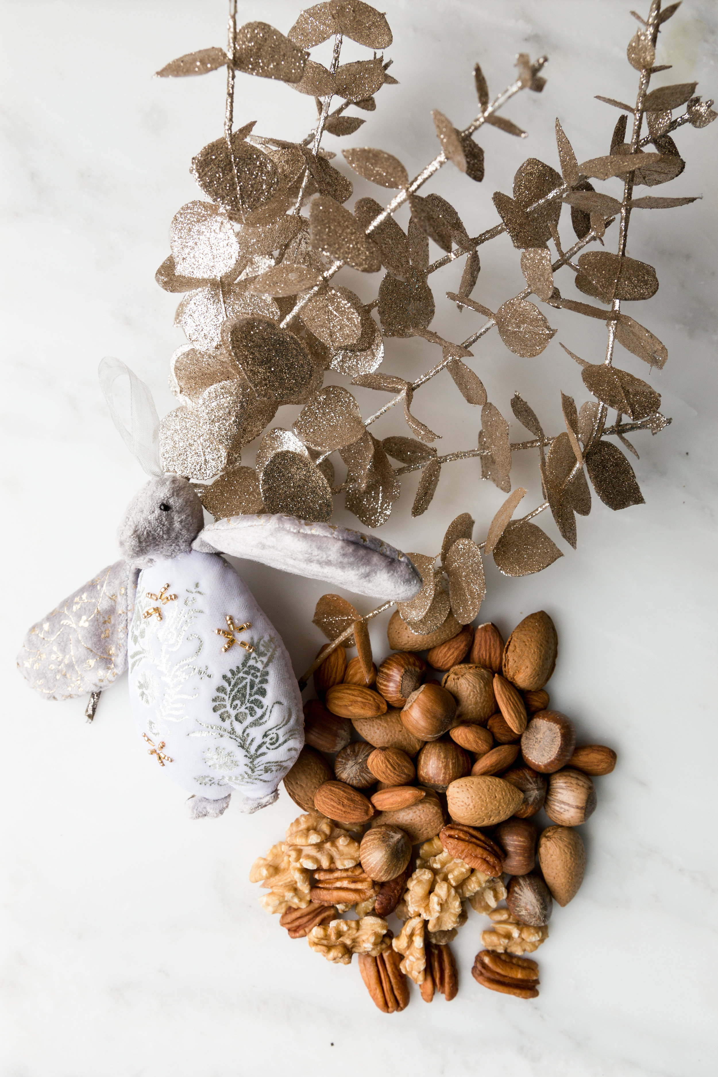4 NUTS PROMOTE REGENERATION OF SKIN CELLS - DECEMBER 01, 2017If you want to have a perfect skin this Christmas, you're lucky because it's nuts season. Hurrah!ALMONDS are packed full of fiber, protein and essential fatty acids are a natural anti-inflammatory, so they also can help treat skin disorders such as acne, psoriasis and eczema