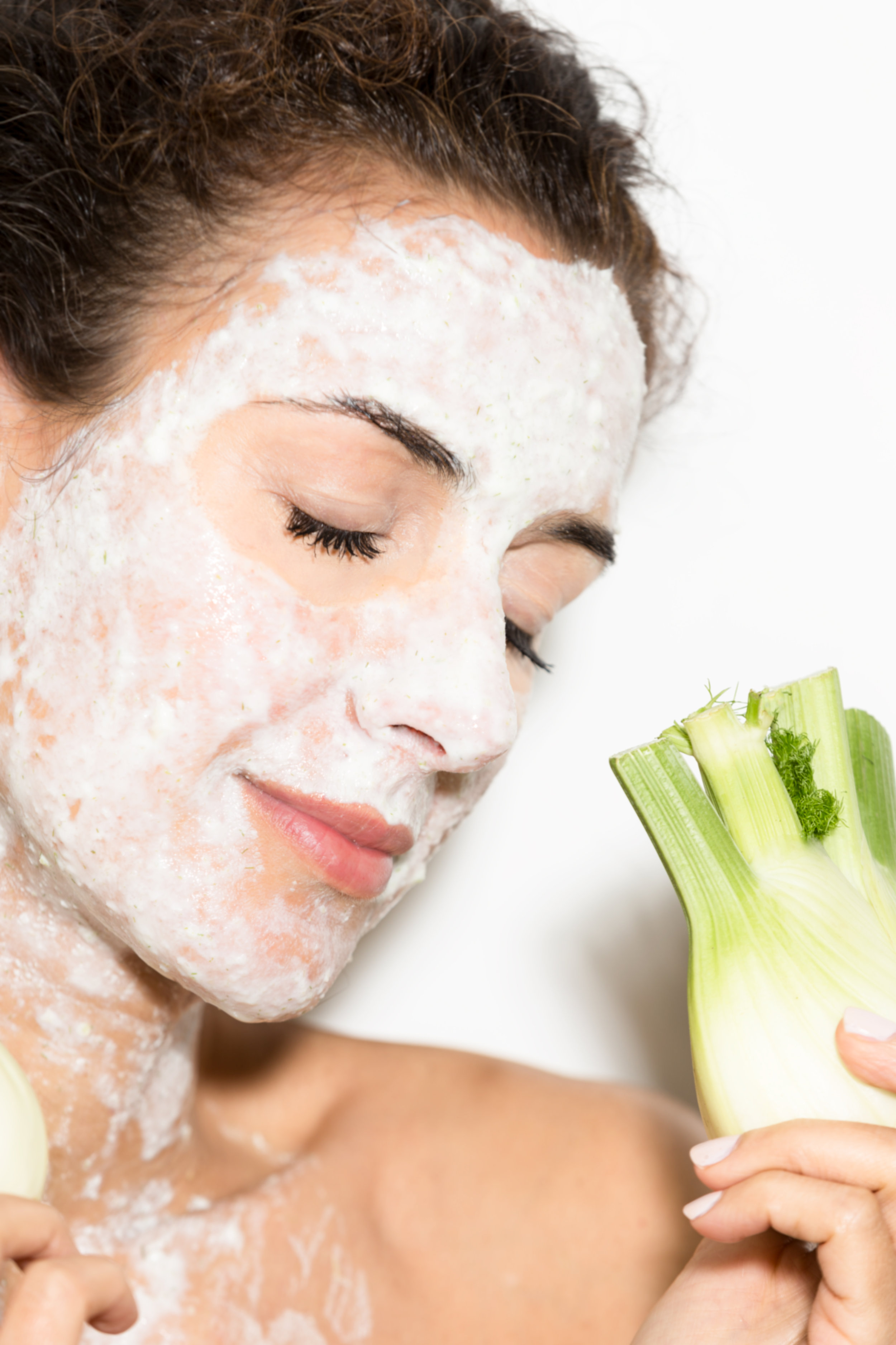 2 FACE MASK FOR REDUCING FINE LINES & WRINKLES   - DECEMBER 07, 2017YOGURT The benefits of yogurt are many, but today I just want to emphasize that it improves the appearance of the skin, since it contains lactic acid, which acts as an exfoliant, attenuates wrinkles and lightens spots. Eat yogurt!... Read more