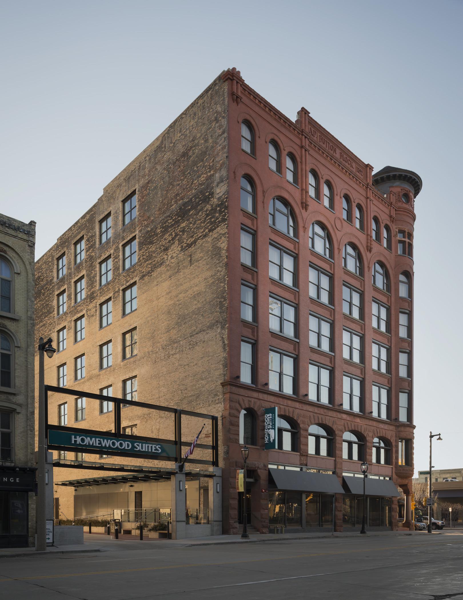 Condos After Dark 100 Wisconsin Avenue >> Wisconsin Architect