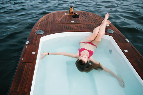 Image Courtesy of   Hot Tub Boats