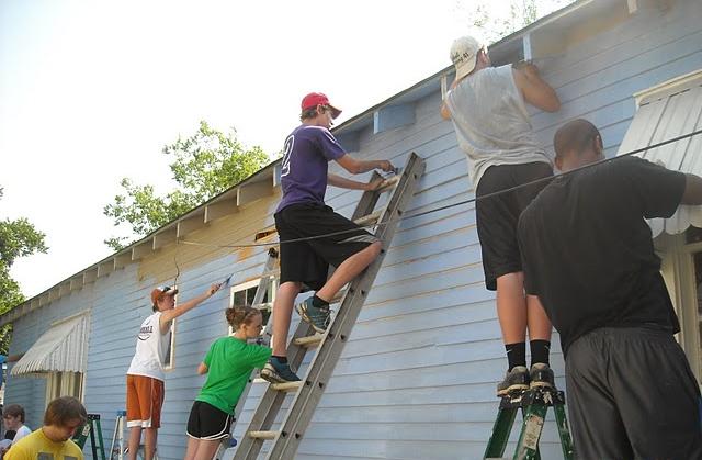 volunteers_painting.png
