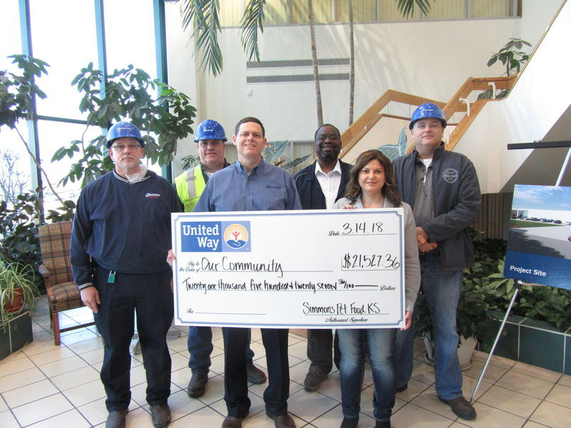 Simmons Pet Food Emporia Facility Donates Over $20,000 to United Way