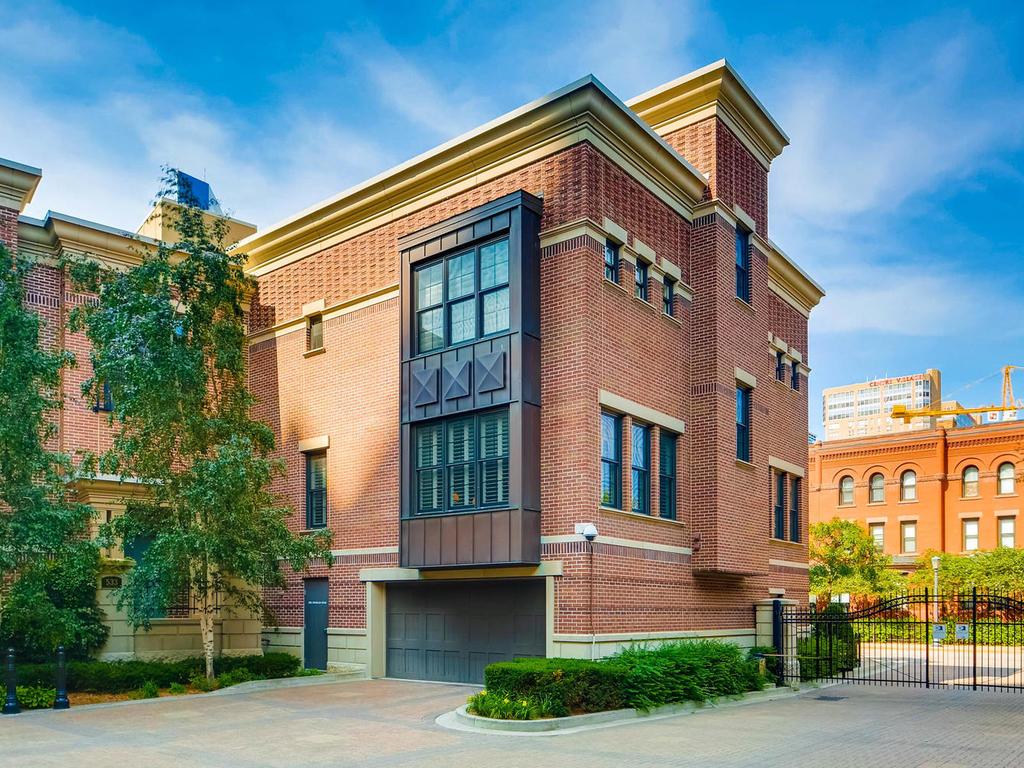 531 S 10th St Minneapolis MN-MLS_Size-034-31-Exterior Rear-1024x768-72dpi.jpg