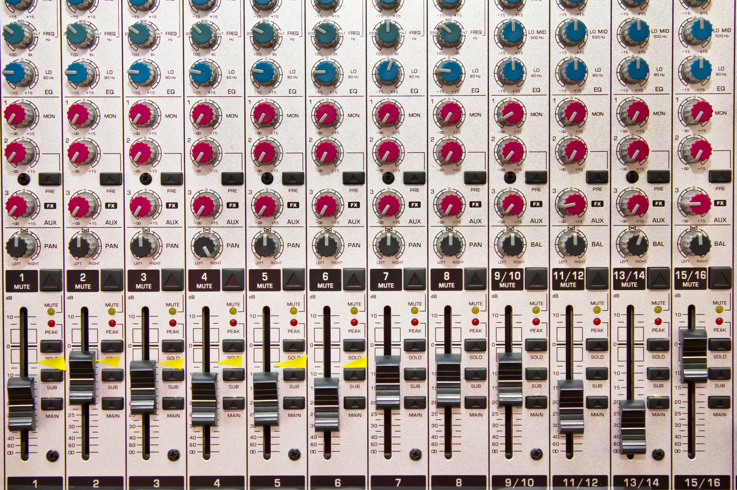 046722359-detail-music-mixing-console.jpg
