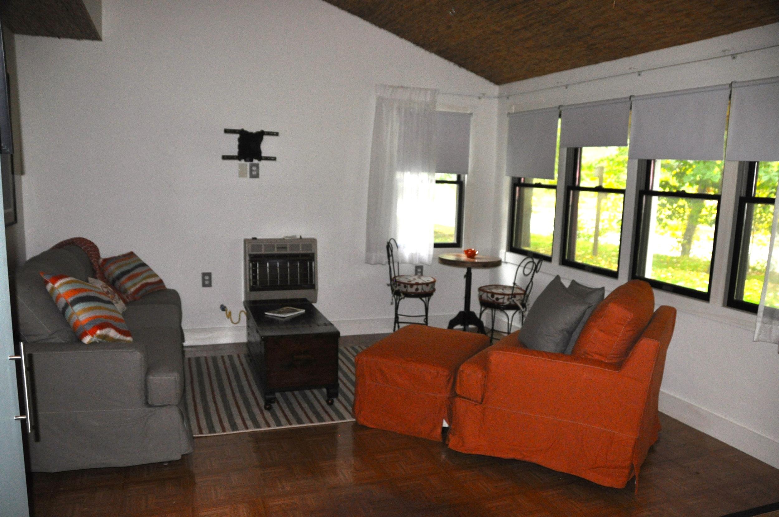 Bear Living Room 1.jpg