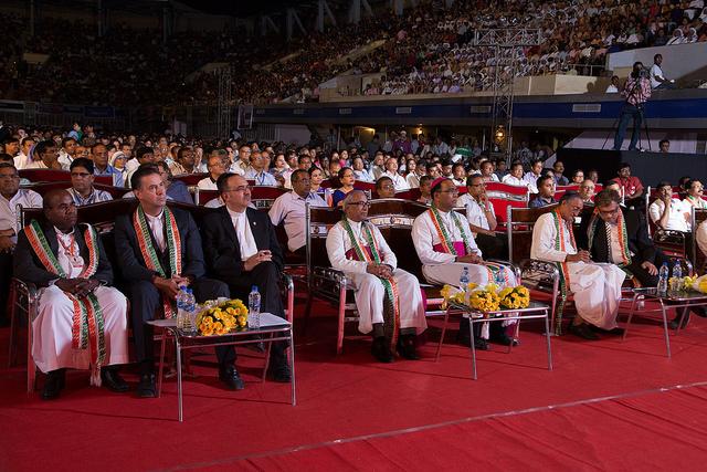audience-redcarpet.jpg
