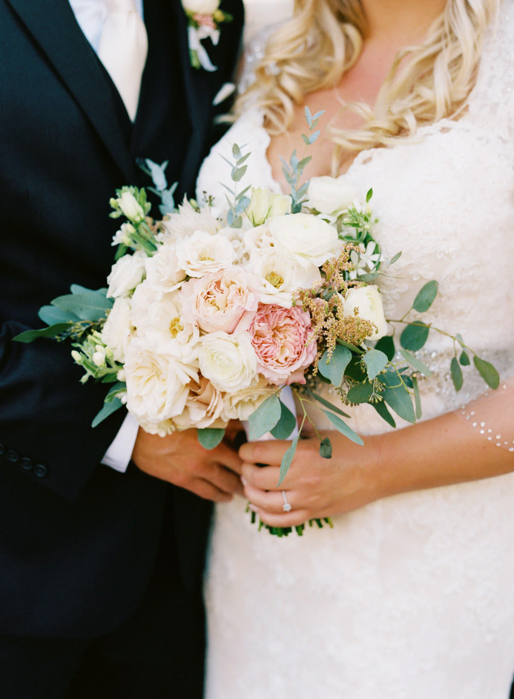 AugustVineyardWeddingBouquet.jpg