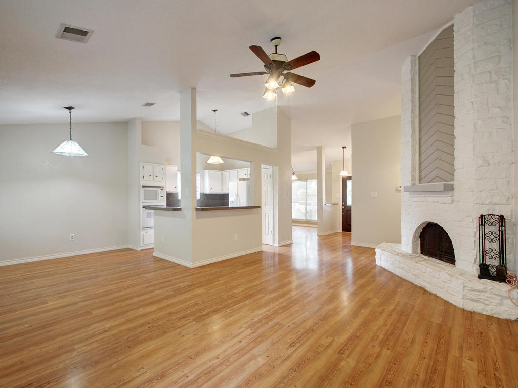 1602 E Messick Loop-MLS_Size-007-21-Family Kitchen Dining 255-1024x768-72dpi.jpg