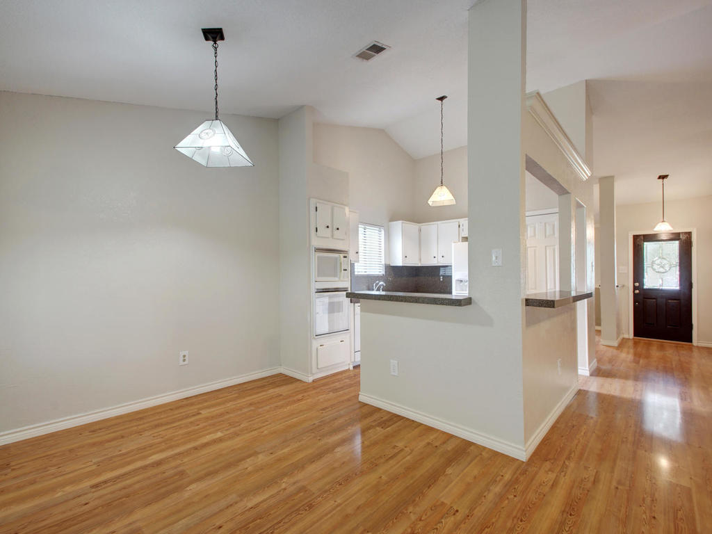 1602 E Messick Loop-MLS_Size-009-8-Family Kitchen Dining 257-1024x768-72dpi.jpg