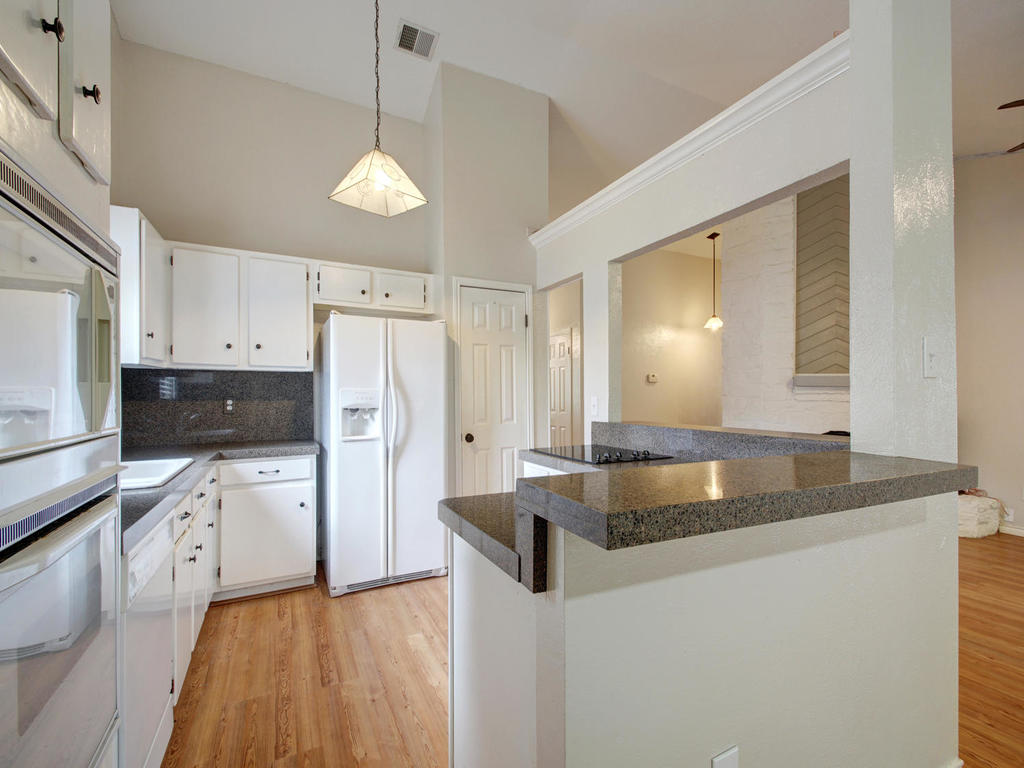 1602 E Messick Loop-MLS_Size-011-5-Family Kitchen Dining 259-1024x768-72dpi.jpg