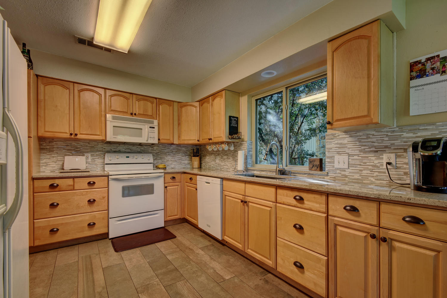 1406 Windy Cove-large-013-8-Kitchen and Breakfast 003-1500x1000-72dpi.jpg