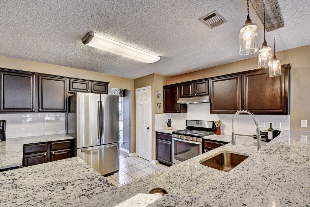 013-255095-Kitchen and Breakfast 904_5825301.jpg