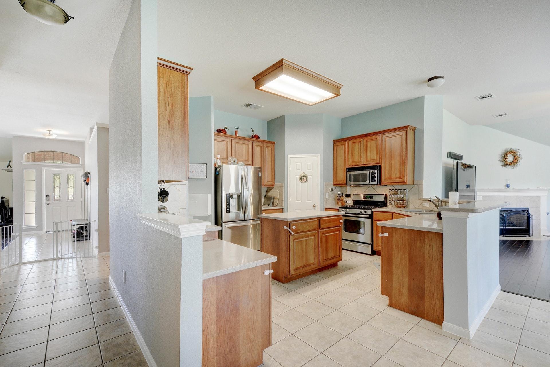 012-267551-Kitchen 002_6233379.jpg