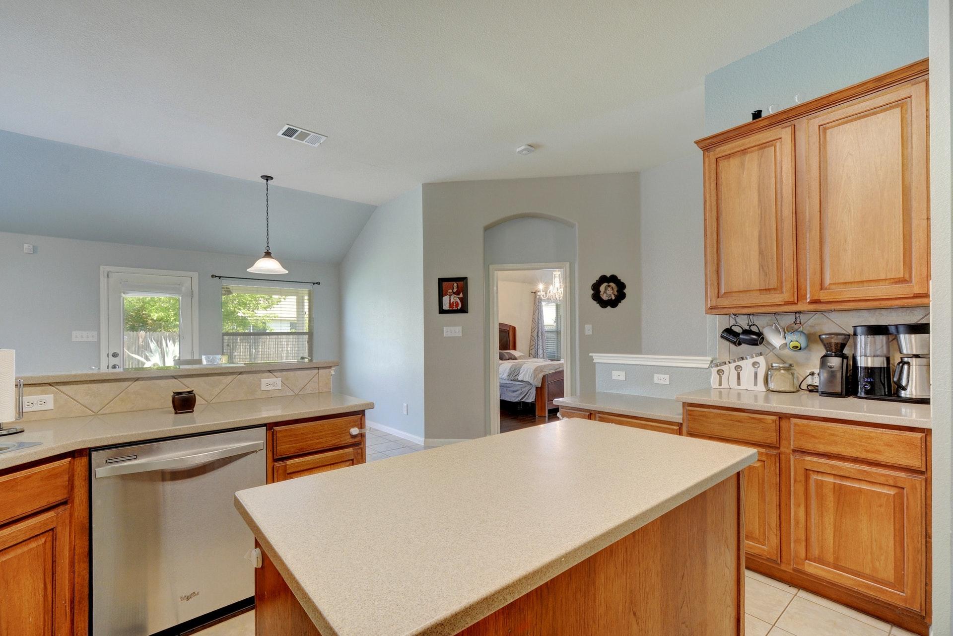 013-267551-Kitchen 003_6233381.jpg