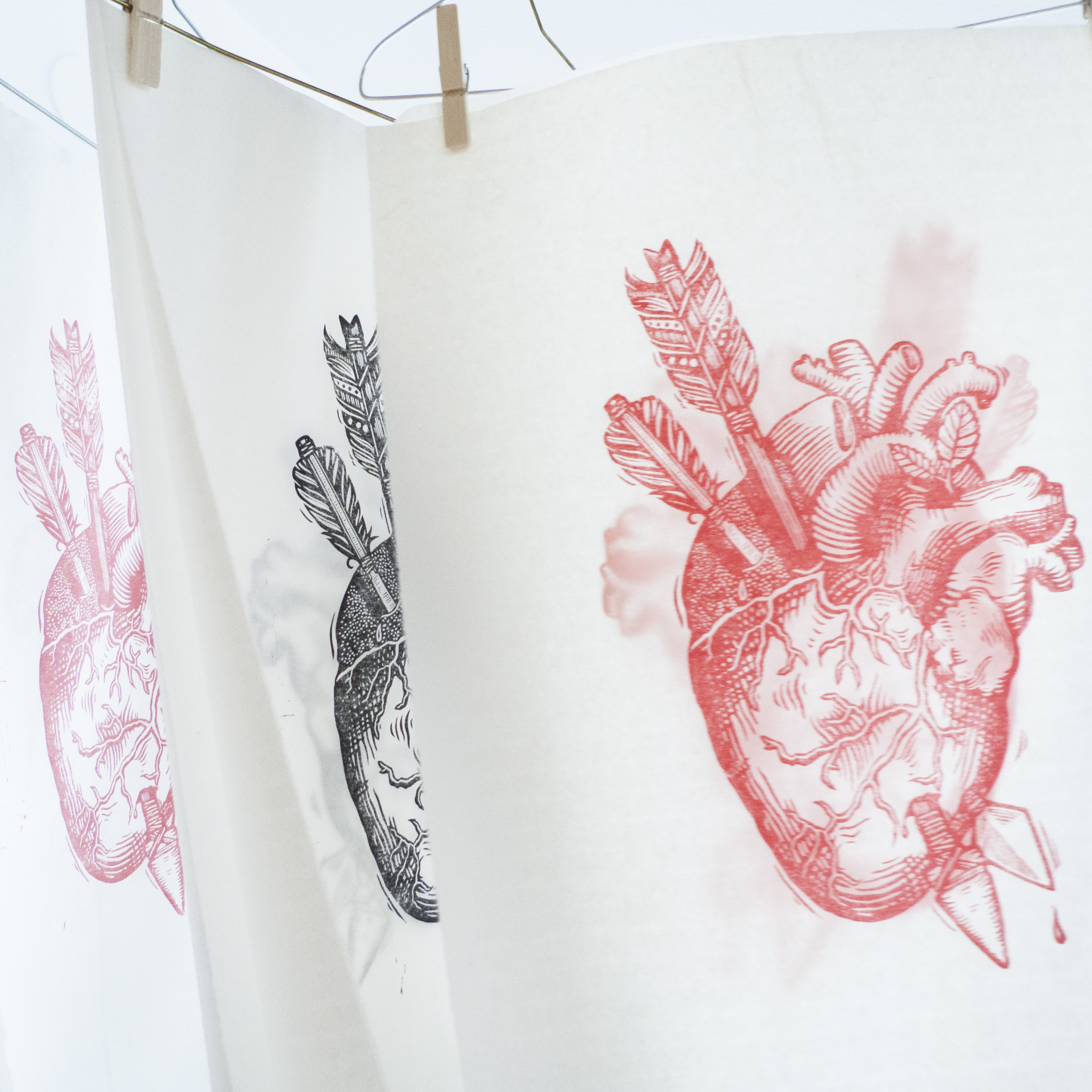 Kärlek-love-anatomical-heart-linocut-e-hanging.jpg