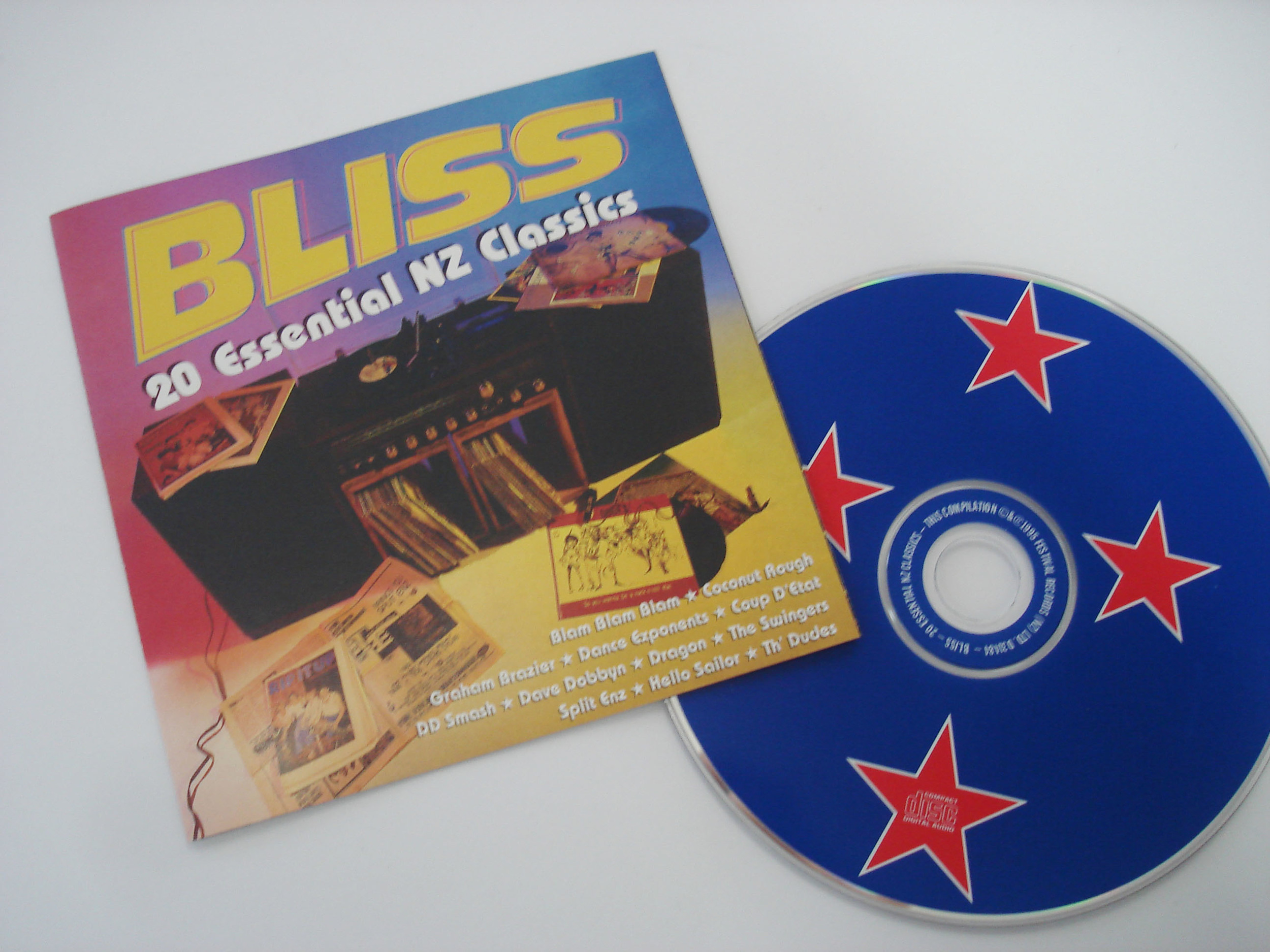 VARIOUS ARTISTS - BLISS: 20 ESSENTIAL NEW ZEALAND CLASSICS - COMPILATION