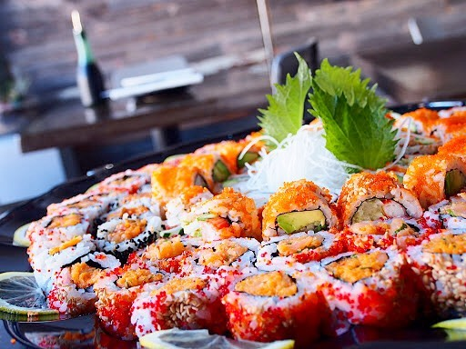 Let's go sushi tasting on the couch this weekend. 🍣🤤 #sushisunday #partytray • • • • • • #tastesbetterhere #eatingfortheinsta #eatfamous #sushigram #sushiart  #f52grams #igerschicago #foodiechats #nomchicago #theartofplating #foodstarz #chefstalk #fabfoodchicago #thekitchen #foodfeast #alwayshungrychi #topchicagorestaurants #thrillist #hertastylife #eattheworld #foodandwine #chicagobucketlist #dametravelerfoodie #midwestbloggers