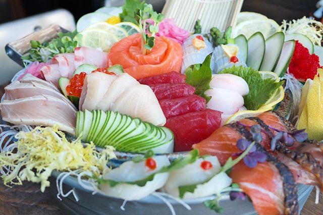 Life is simple and fresh just like sushi. 🍣 • • • • #tastesbetterhere #eatingfortheinsta #eatfamous #sushigram #sushiart  #f52grams #igerschicago #foodiechats #nomchicago #theartofplating #foodstarz #chefstalk #fabfoodchicago #thekitchen #foodfeast #alwayshungrychi #topchicagorestaurants #thrillist #hertastylife #eattheworld #foodandwine #chicagobucketlist #dametravelerfoodie #midwestbloggers #calledtobecreative  #verilymoment #gatheredstyle #theeverydayproject