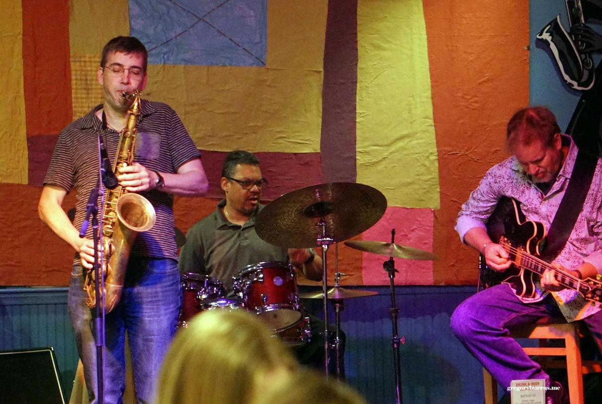 """Mike Lee [...] runs a jazz jam at Hat City Kitchen every Wednesday with many very well know professionals in the music industry.""  - Gregory Burrus"