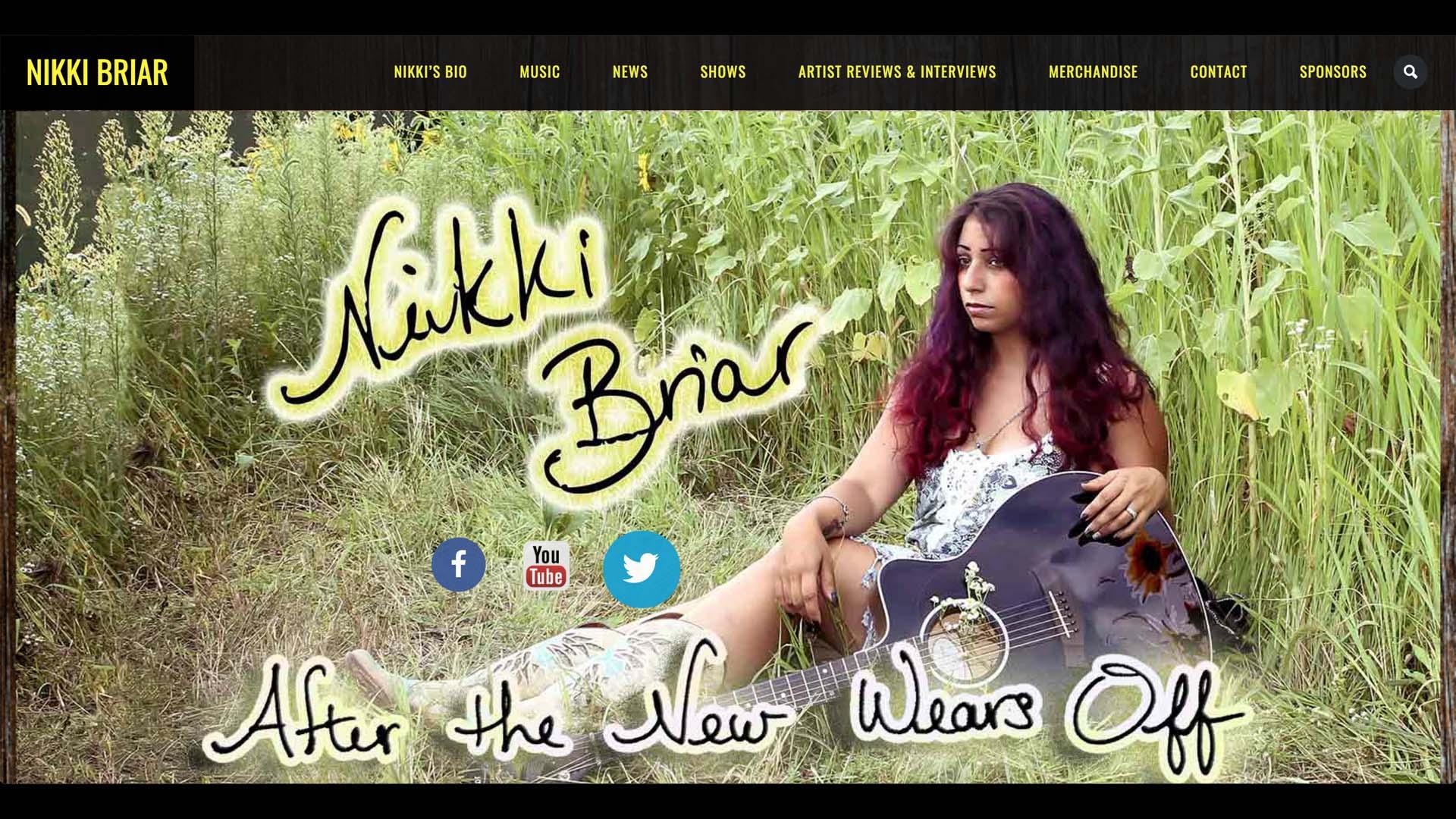 nikkibriar.com