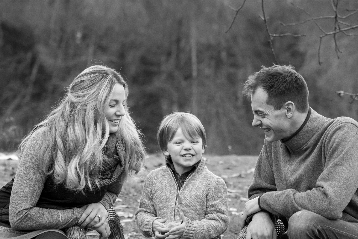 Mom dad and toddler- family photographer seattle.